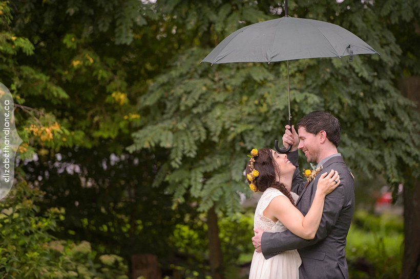 Catherine and Craig Wedding photographed at Stonefields in Ottawa by Liz Bradley of elizabeth&jane photography