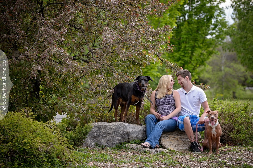 Casey and Sam's maternity session in Ottawa photographed by Liz Bradley of elizabeth&jane photography
