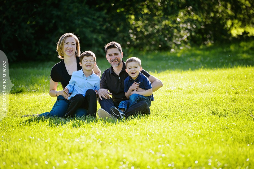 Ramirez Family photographed in Ottawa by Liz Bradley of elizabeth&jane photography