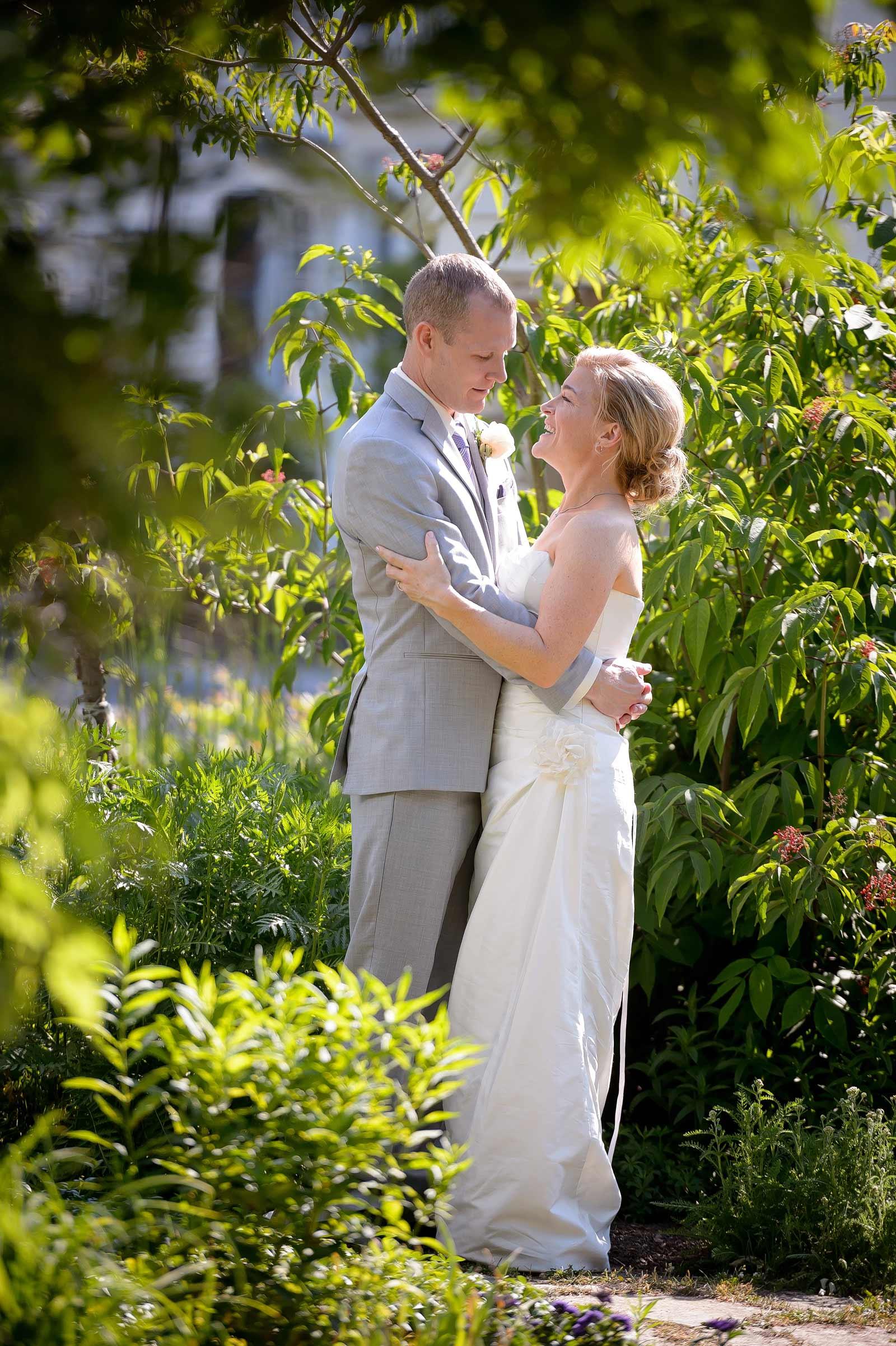 GayleAdam-Wedding-PhotogFaves-96