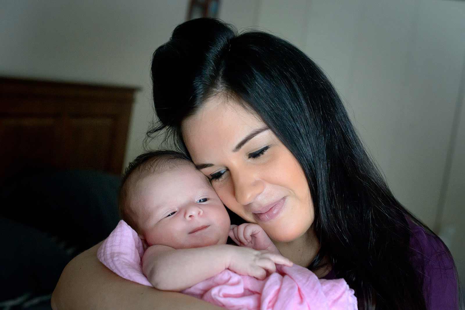 emma-newborn-sneakpeek-05