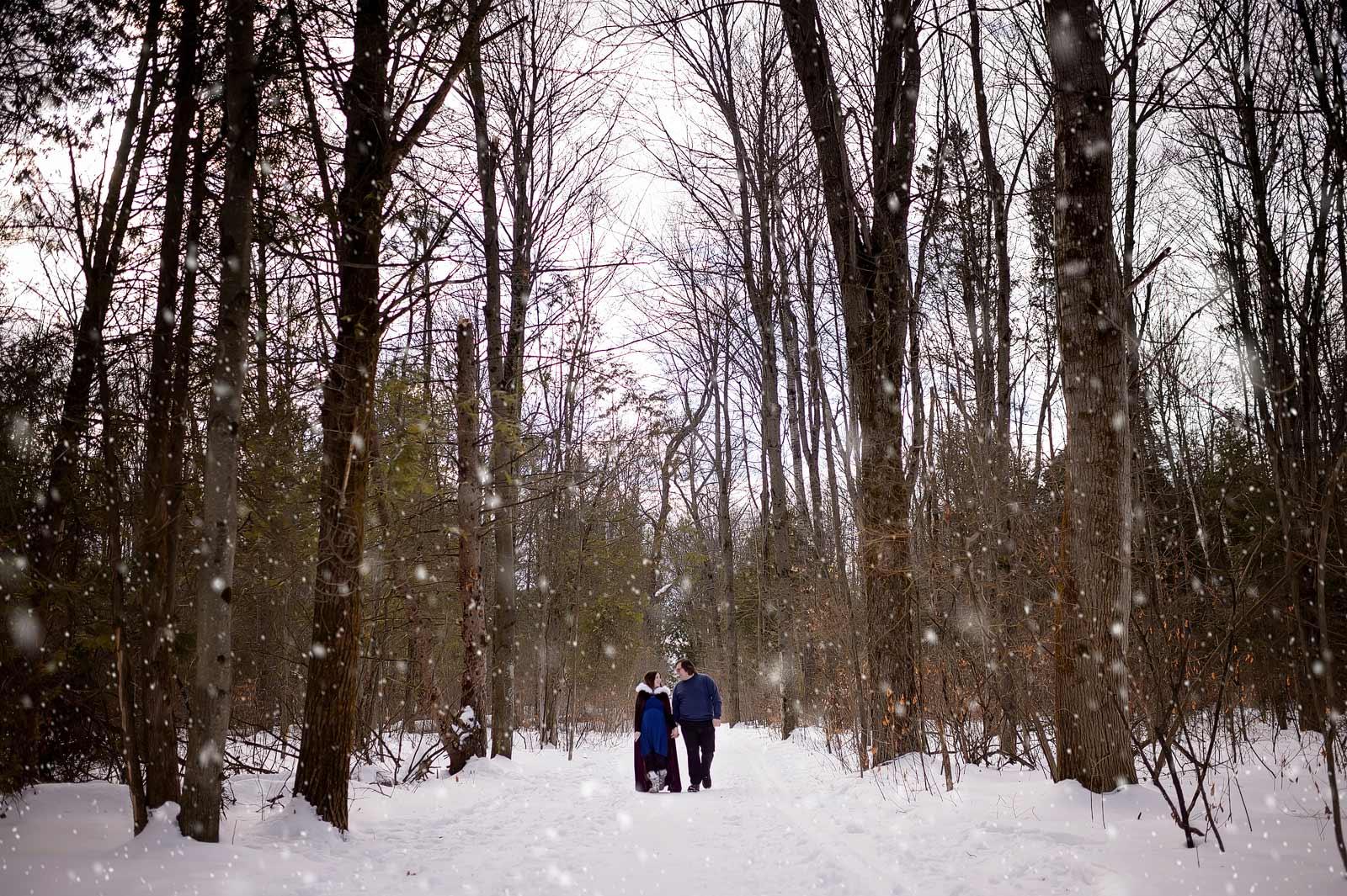 DeannaJustin-maternity-sneakpeek-09-snow