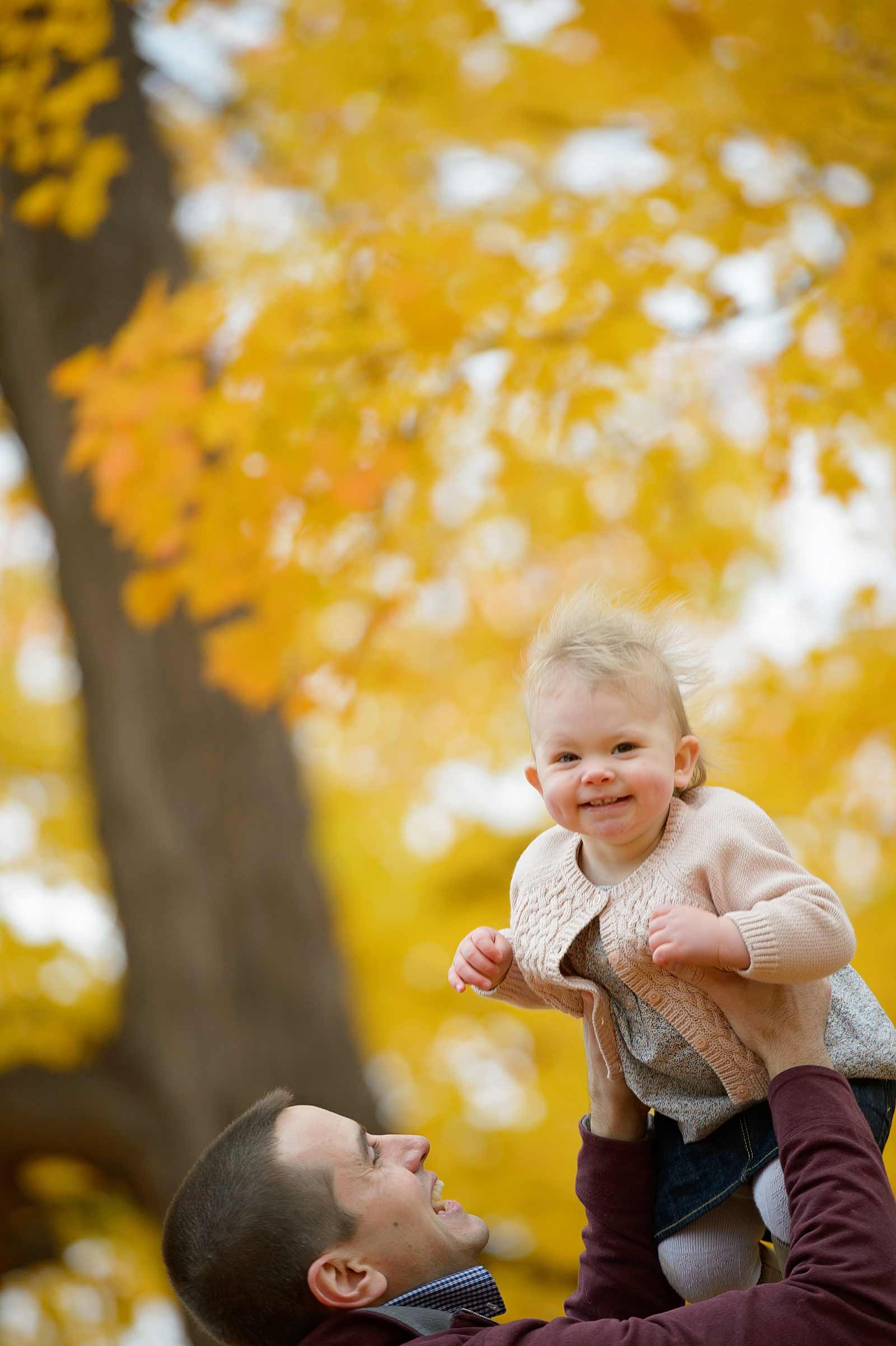 Mom and daughter share a special moment in Ottawa for their photography session