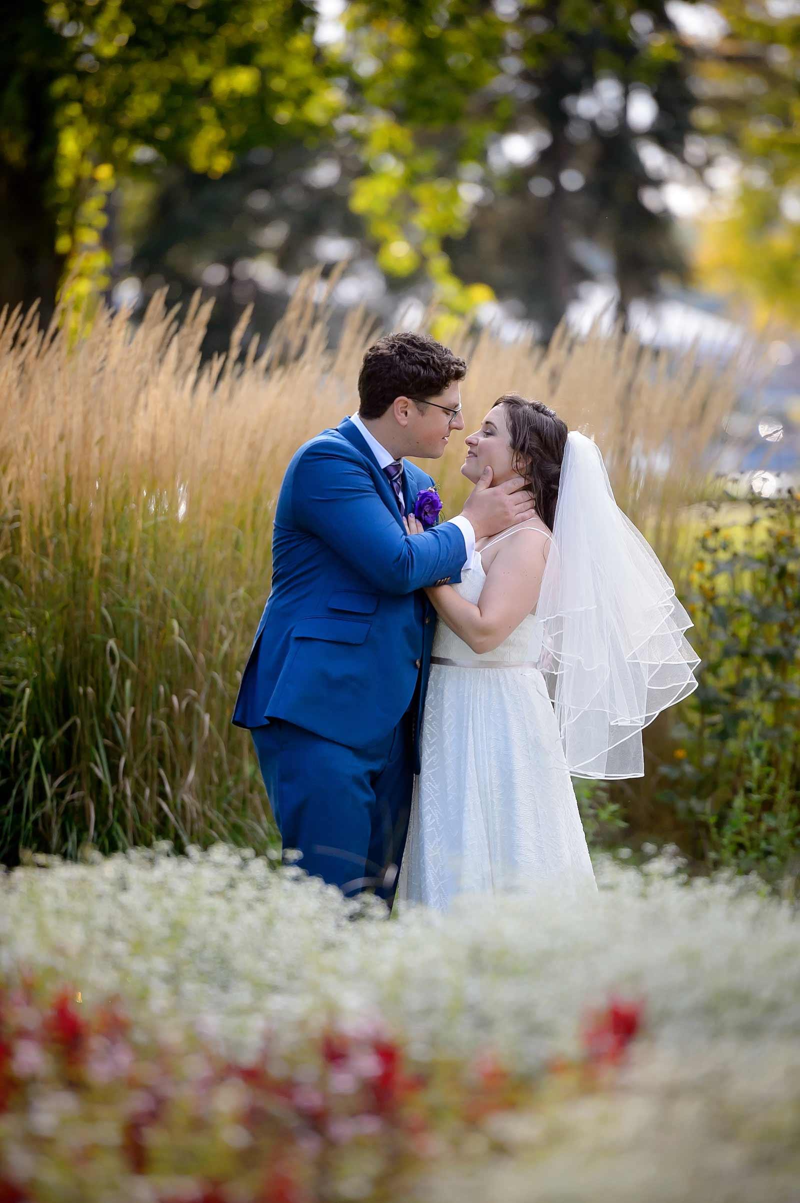 GillianChris-Wedding-sneakpeek-09